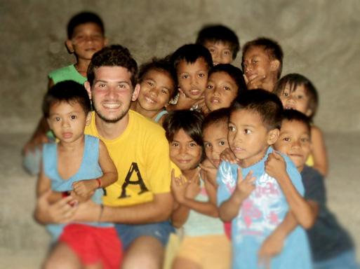 Daniele with the kids of Pag-asa