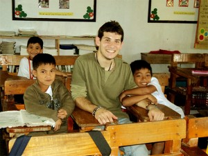 Daniele with the kids at Pag-asa Daycare School